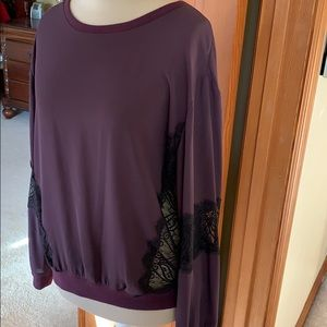 Mossimo silky top with black lace details
